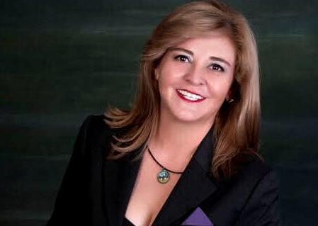 Elena Lara, la activista que protege y defiende a las mujeres en el Estado de México
