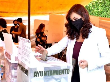 """""""Le deseo éxito a Angélica Moya, la próxima presidenta de Naucalpan"""": Patricia Durán Reveles"""