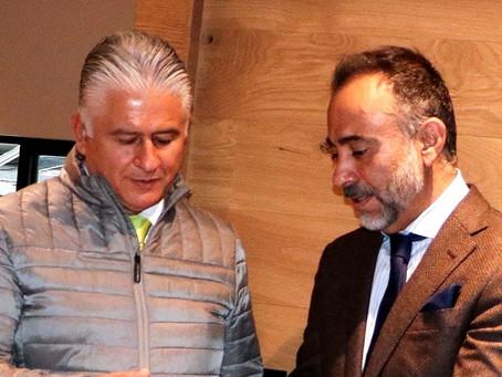 Destaca reunión entre Fernando Flores Fernández y Herminio Cahue Calderón