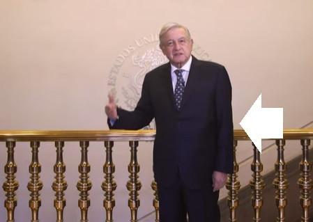 López Obrador tiene secuelas: su brazo izquierdo, casi inmóvil