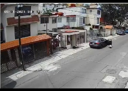 Piden apoyo para ubicar a agresor de mujer en Lomas Verdes, Naucalpan