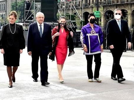 """López Obrador se deja fotografiar con los """"presidenciables"""" Claudia Sheinbaum y Marcelo Ebrard"""