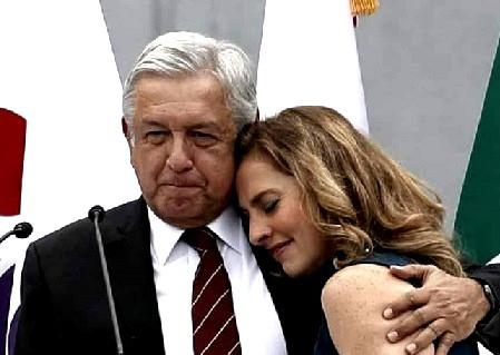 Beatriz Gutiérrez Müller, es bautizada en Twitter con el hashtag #ZopiloteLlorón