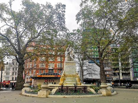 Leicester Square (William Shakespeare Statue)