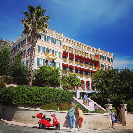 Pile Square - Hotel Hilton Imperial