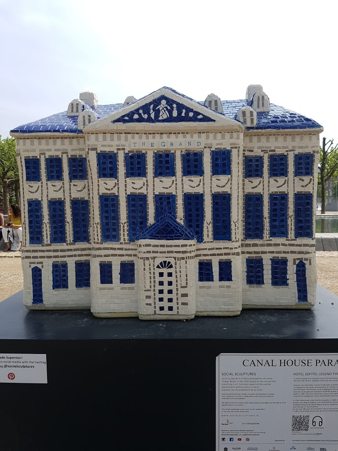 9  Museum Square