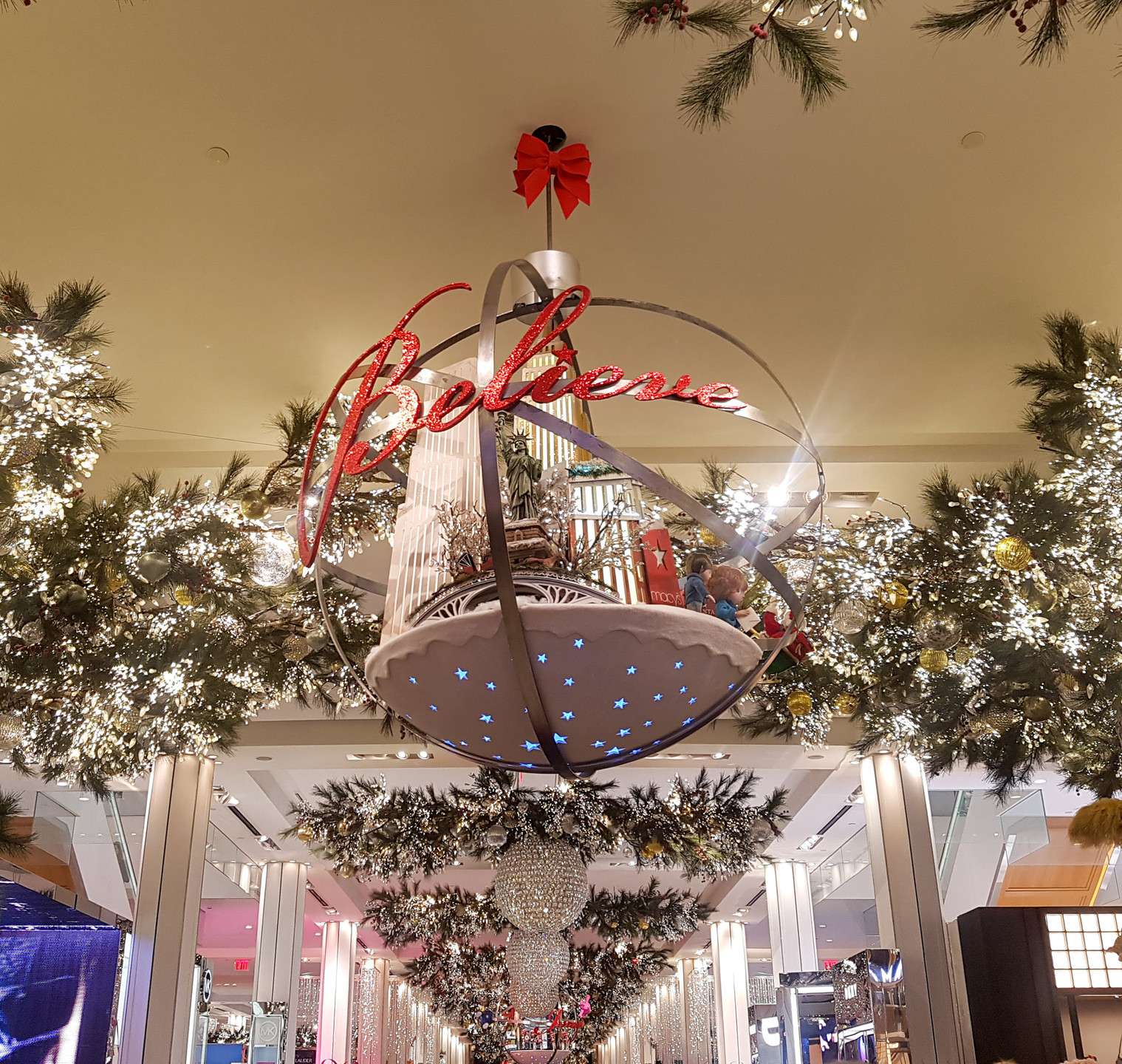 Macy's, Holiday Decorations