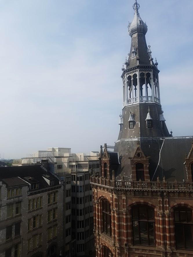 16 W Amsterdam Hotel