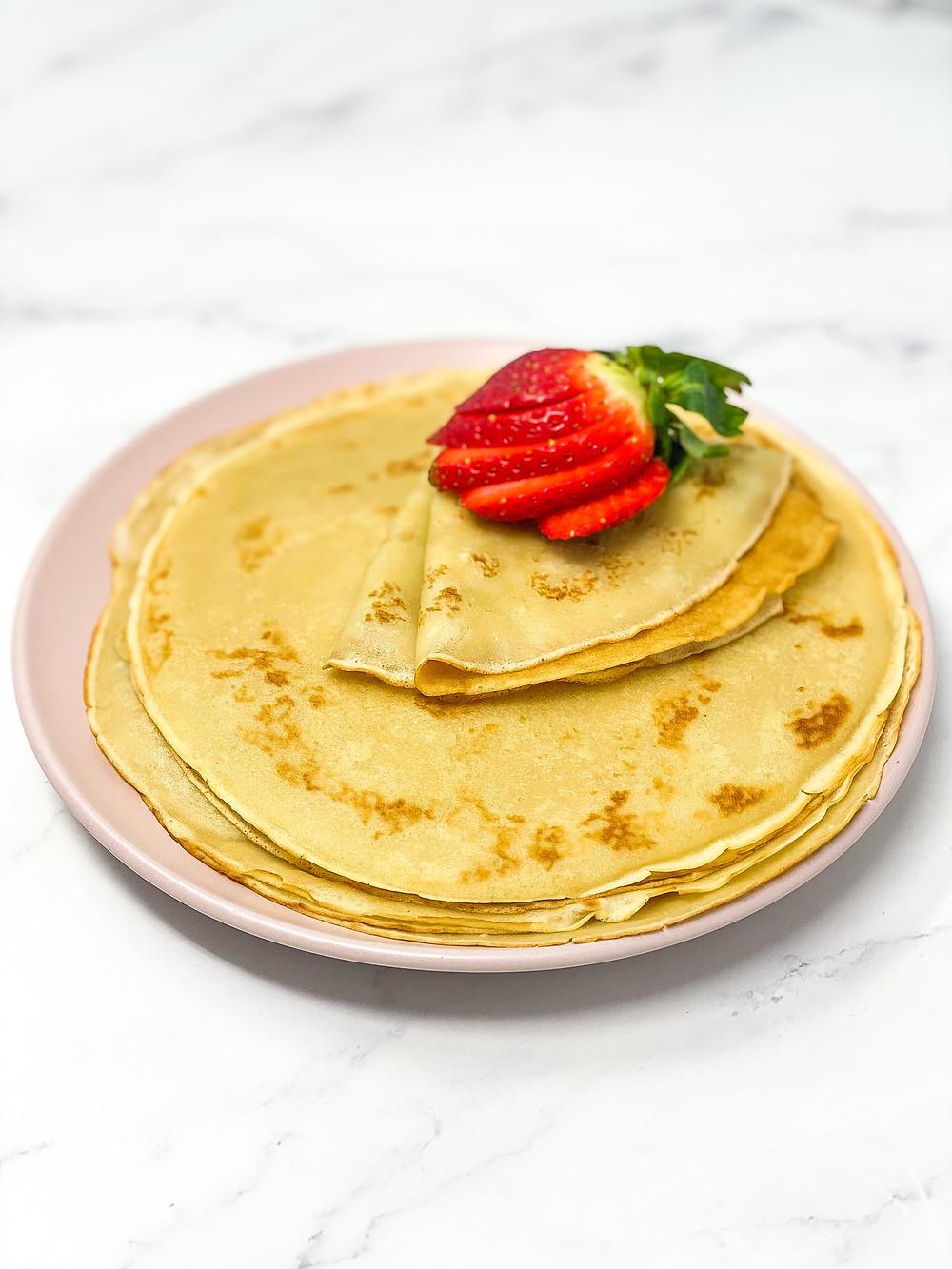 VEGAN CRÊPES with strawberry