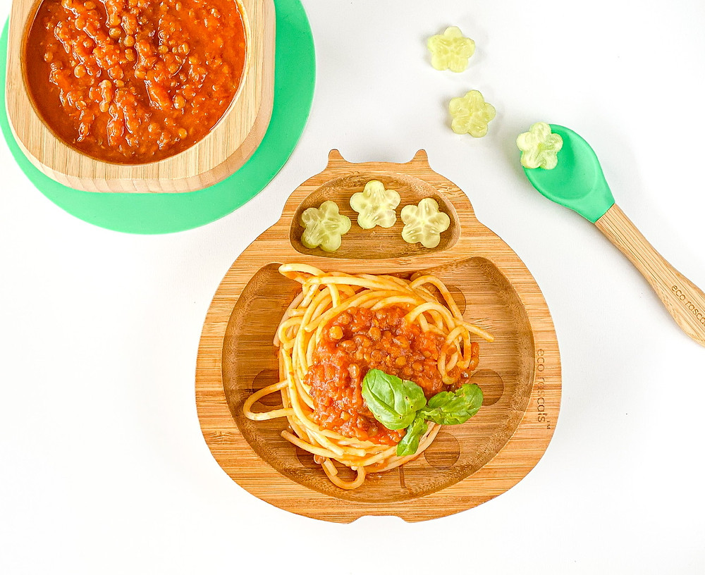 DELICIOUSLY LENTIL BOLOGNESE in bamboo plate