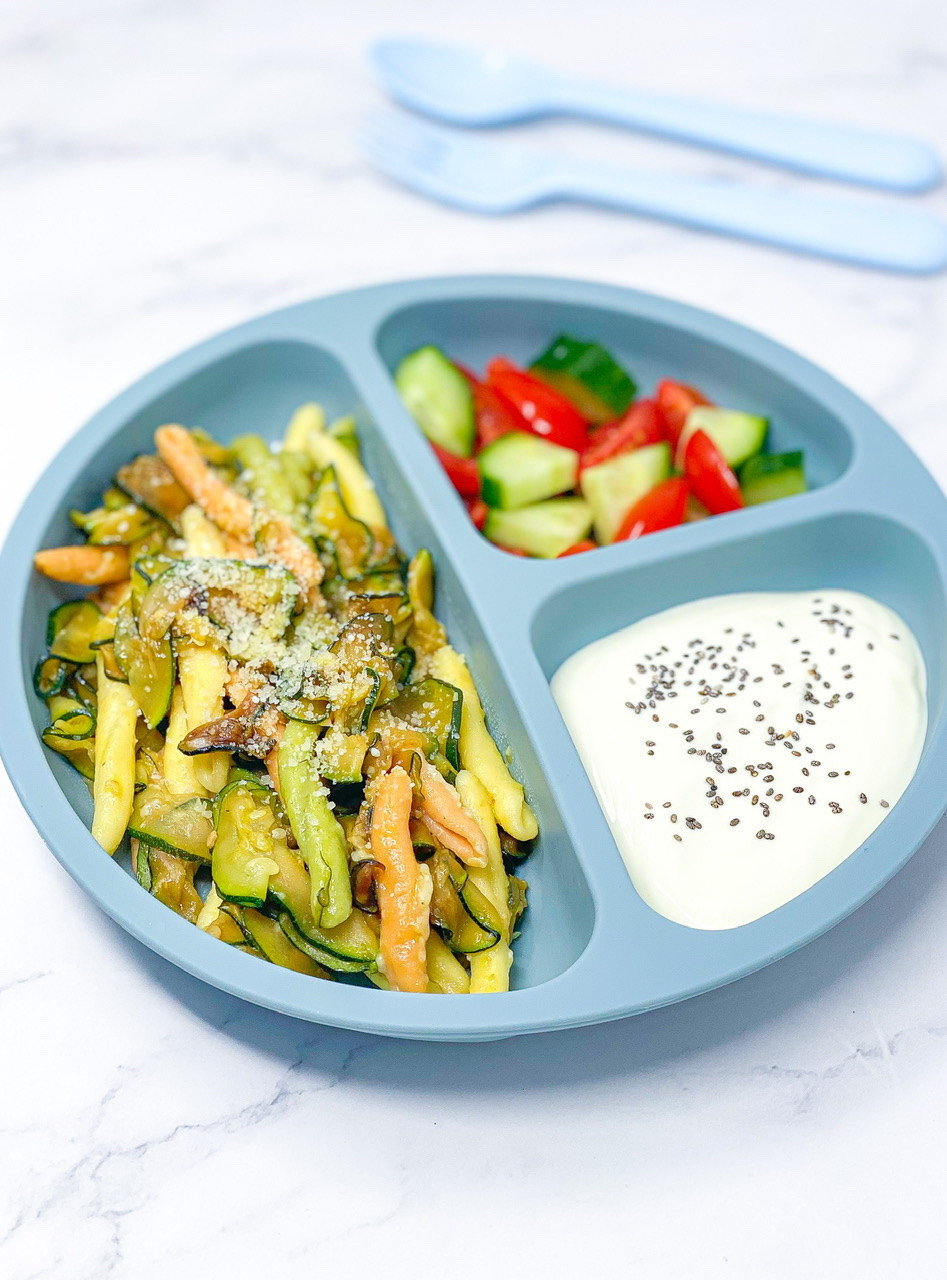 EASY COURGETTE PASTA full of colours for kids