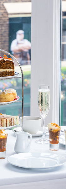 Roast afternoon tea Stand with carrot cake