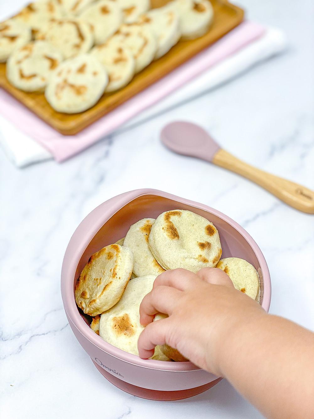 3 INGREDIENTS CAULIFLOWER FLATBREAD for kids blw with little hand