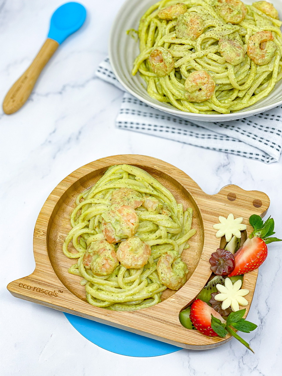 CREAMY PRAWNS & COURGETTES PASTA in bamboo p