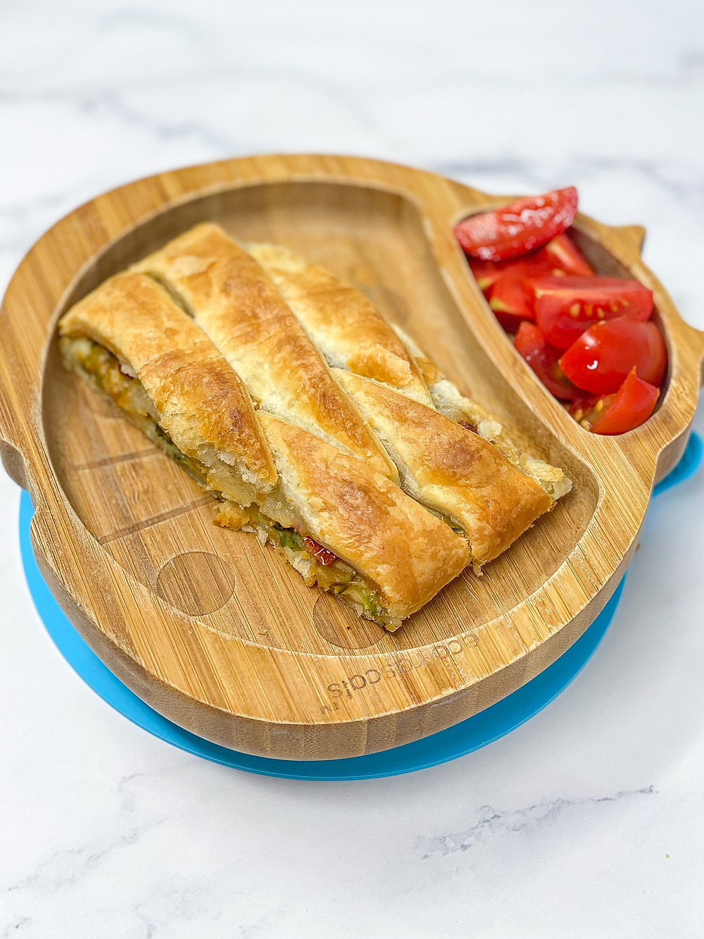 COURGETTES, CHEESE & TOMATOES PUFF PASTRY BRAID