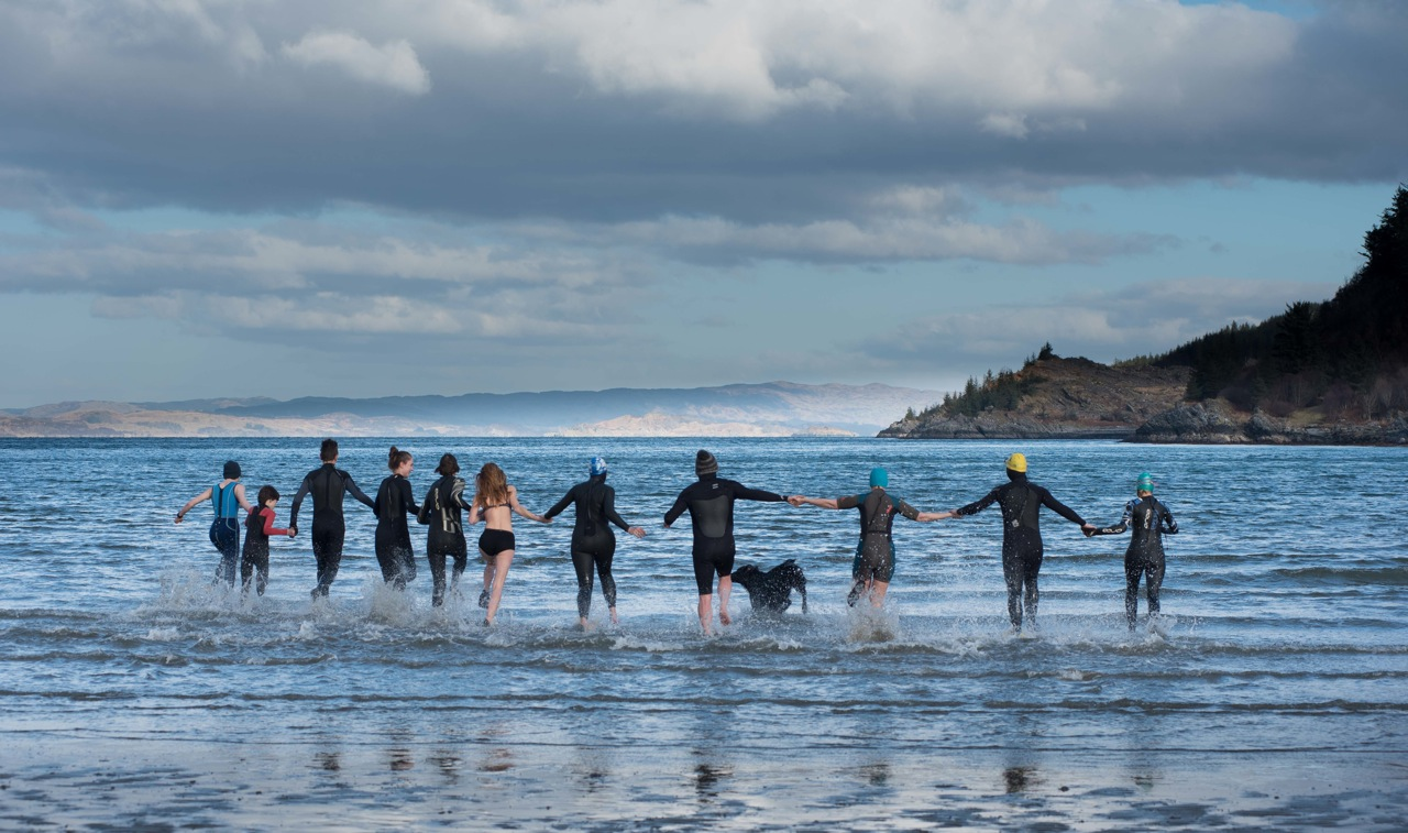Wild swimmers enjoy Dounie Bay