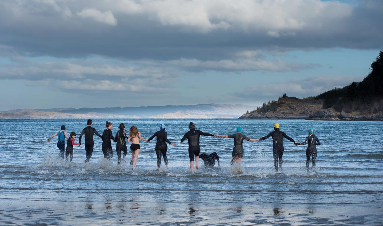 Wild swimmers enjoy Dounie Bay