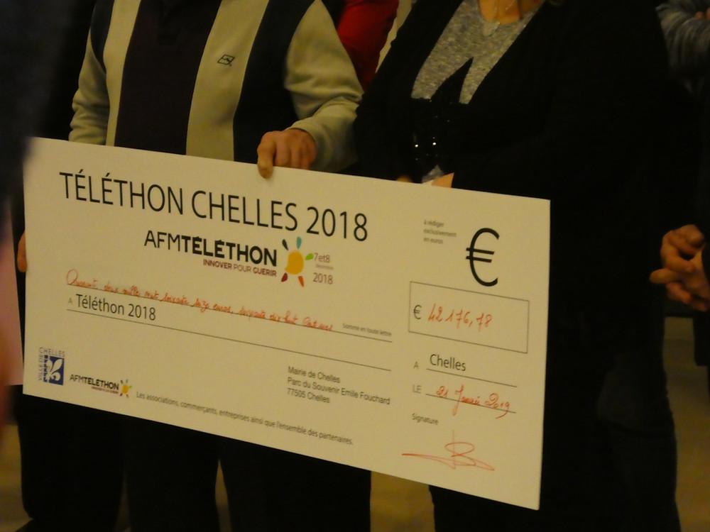 Remise du chèque de 42176,78€ à l'AMF Téléthon