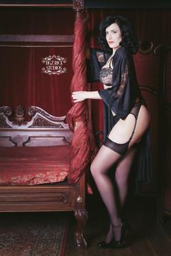 lady-may-tigz-rice-boudoir1