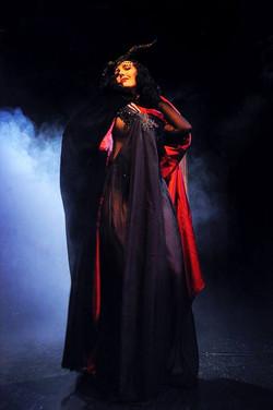 lady-may-den-voyage-Dark-Queen