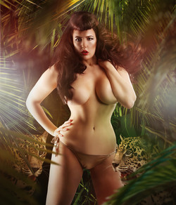 lady-may-den-voyage-dollhouse-photography-jungle