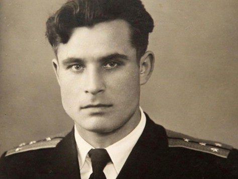 Soviet submarine officer who averted nuclear war honoured with prize
