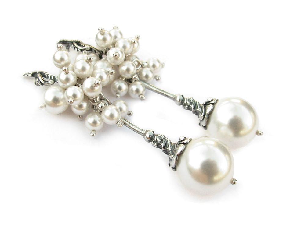 ROSITA Grape Style Swarovski White Pearl Earrings