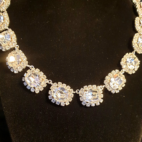 ANAIS Luxury Vintage Crystal Necklace