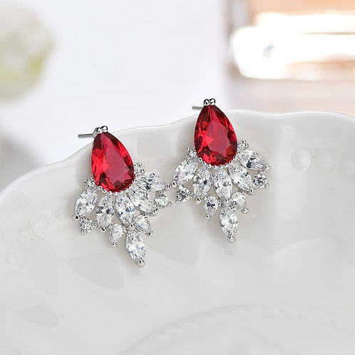 SU Ruby Crystal Claws Earrings