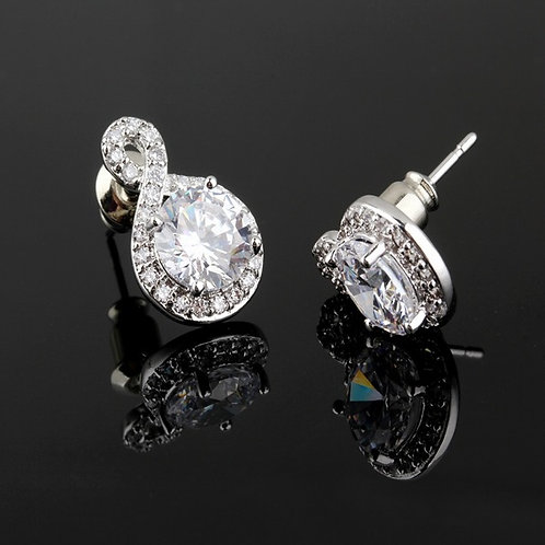 No EIGHT White-gold Crystal Stud Small Earrings