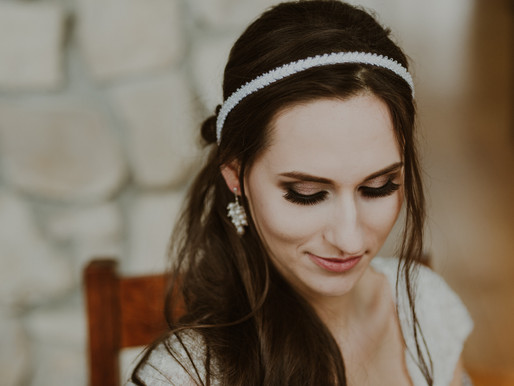 BRIDAL HEADPIECES & GREAT COME BACK OF THE MODERN '90s STYLE IN WEDDING FASHION