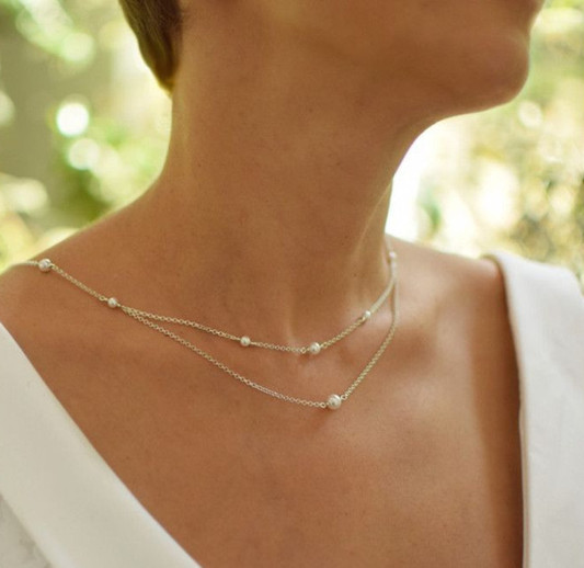 CLASSIC Graceful White Pearl Swarovski Silver Backdrop Necklace e_edited_edited_edited.jpg