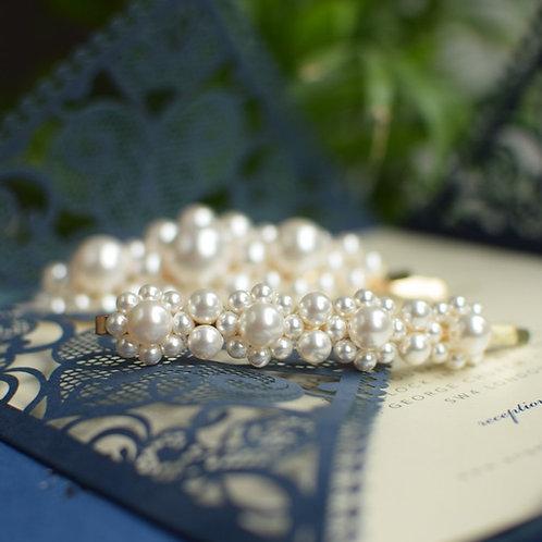 DESTINY Medium Wedding Swarovski White Pearl Hair-pin Appliqué