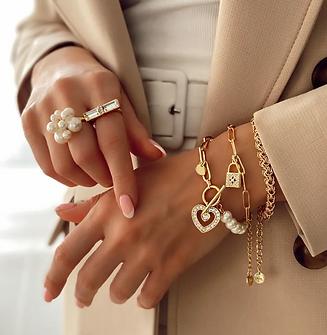 T-bar Crystal Heart & Pearls Gold Bracel