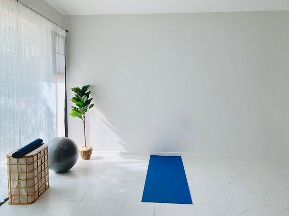 yoga-space-at-home_t20_pRBPdj.jpg