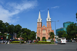 cathedral-2419454_1280.jpg