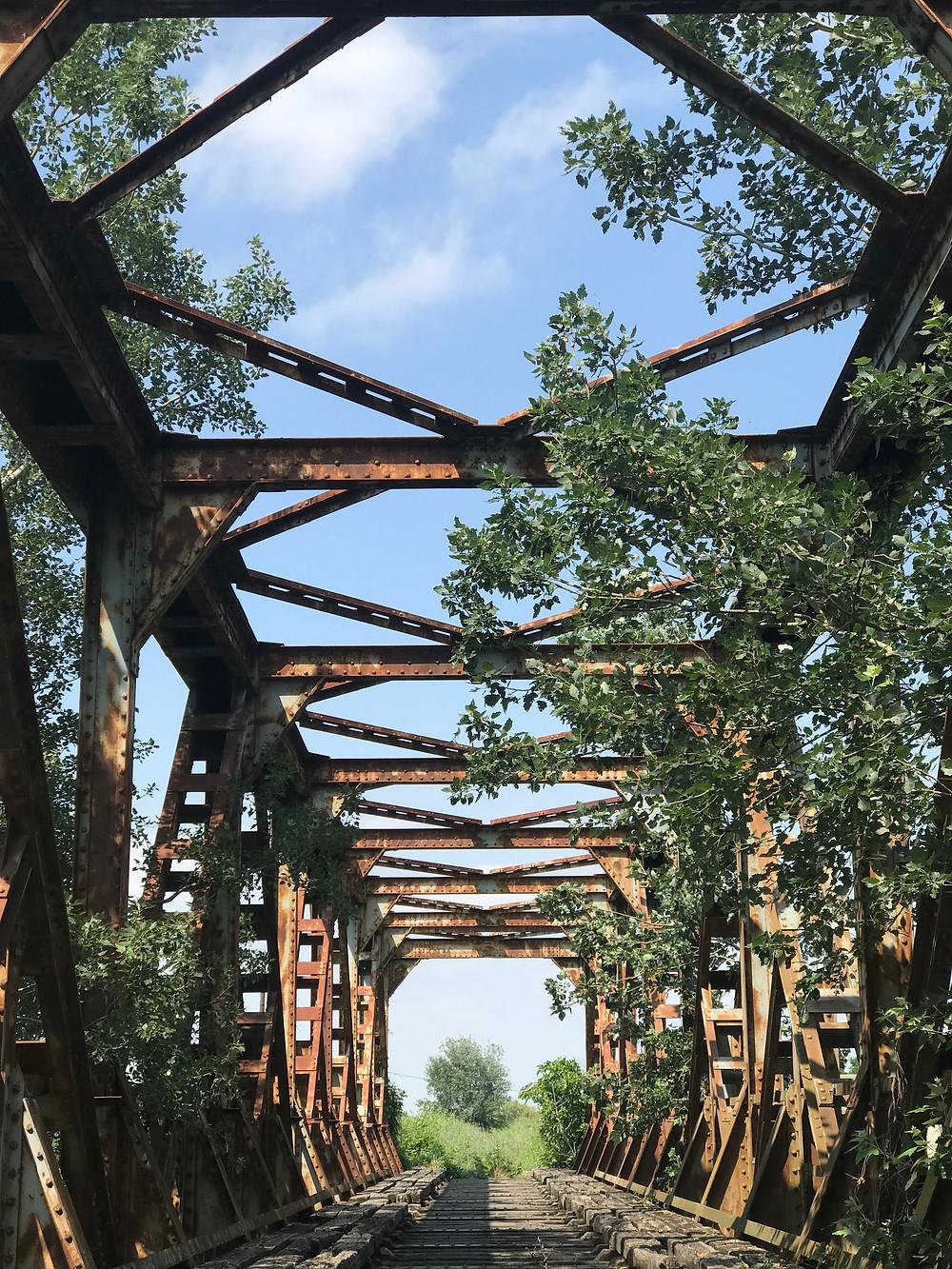 Προοπτική της μεταλλικής κατασκευής της γέφυρας