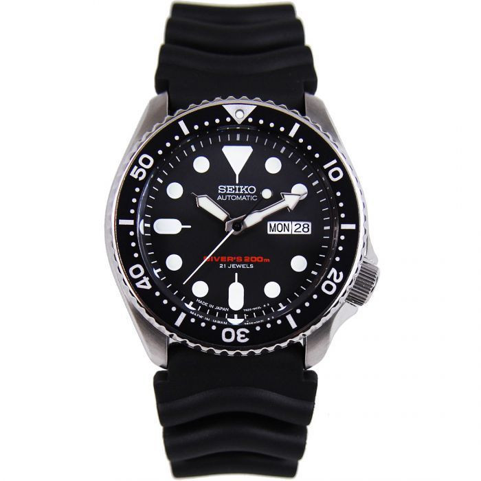 Seiko SKX007J Diver Sports Watch