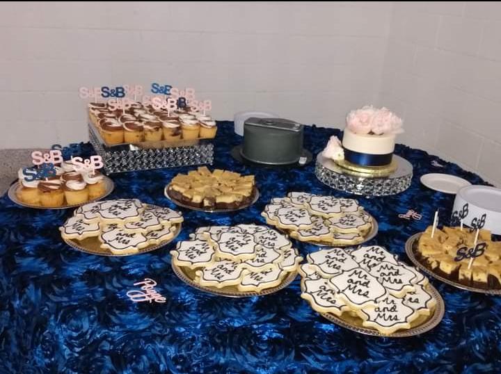 Cupcake Topper + Confetti