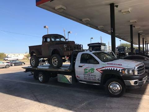 Old Truck1.jpg