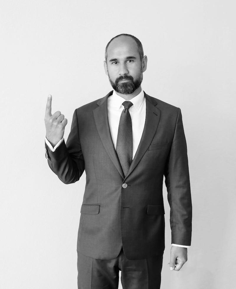 Advokát Zoltán Duna - 3+1 důvodů, proč si ho vybrat jako svého advokáta