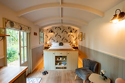 Shepherds Hut Luxury Break (10).jpg