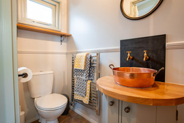 Shepherds Hut Ensuite Bathroom (15).jpg