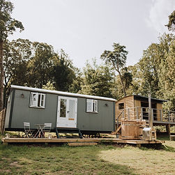 The Keepers Hut, the ultimate Glamping Hut