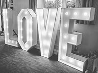 love sign blk wht.jpg