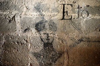 Grafito siglo XVI en la pared de la ermita de San Zoilo de Cáseda, Navarra