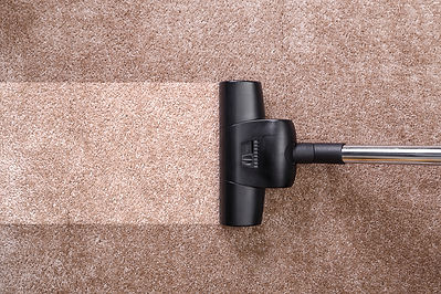 Carpet cleaning machine cleaning carpet