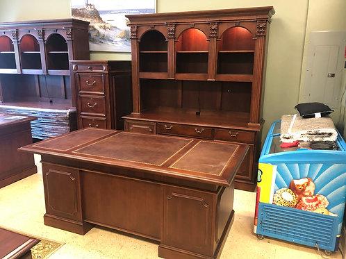 Used Hooker Desk Set