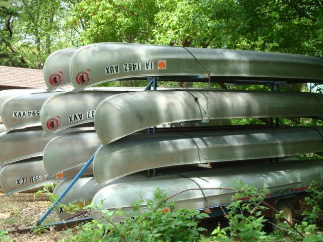 640_Canoes