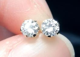 Diamonds – the reflective birthstone for April